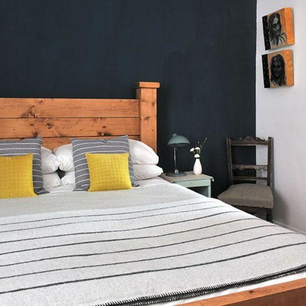 Schlafzimmer holz kopfteil komplett gestalten holz bett rahmen