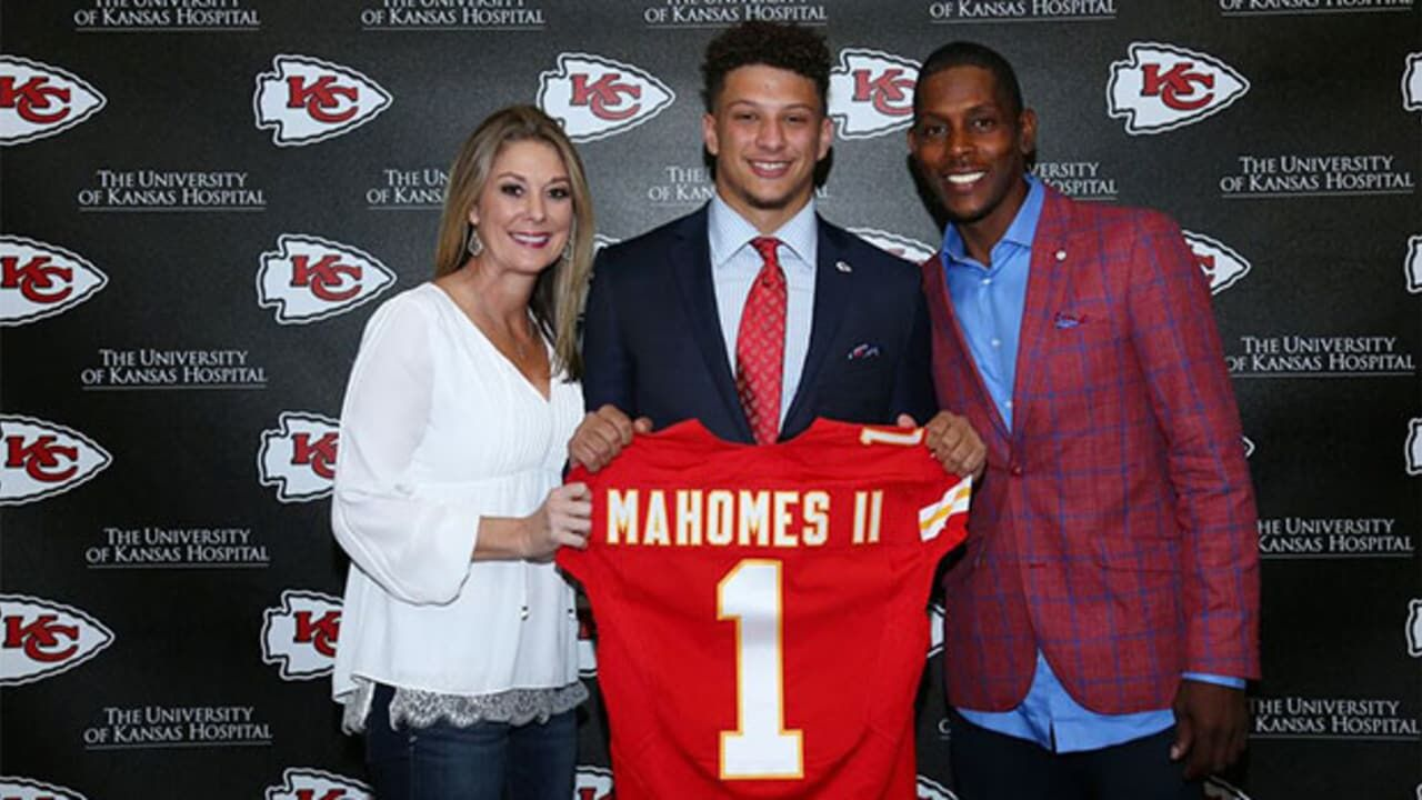 Chiefs Qb Patrick Mahomes Ii S Father Proud Of His Son S Gamble On
