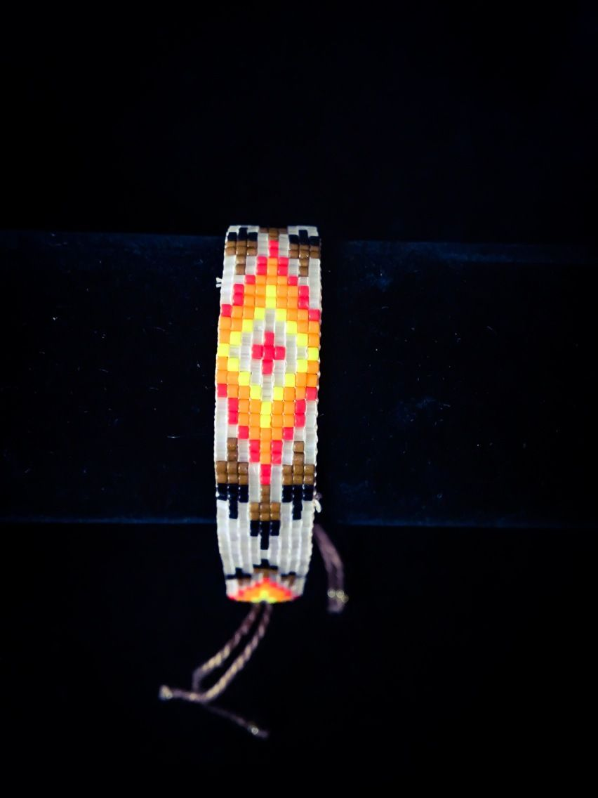 Bracelet tissé en perles miyuki motif indien d'Amérique navajo sur noeud coulissant (blanc nacré rouge orange) : Bracelet par boystalktoomuch