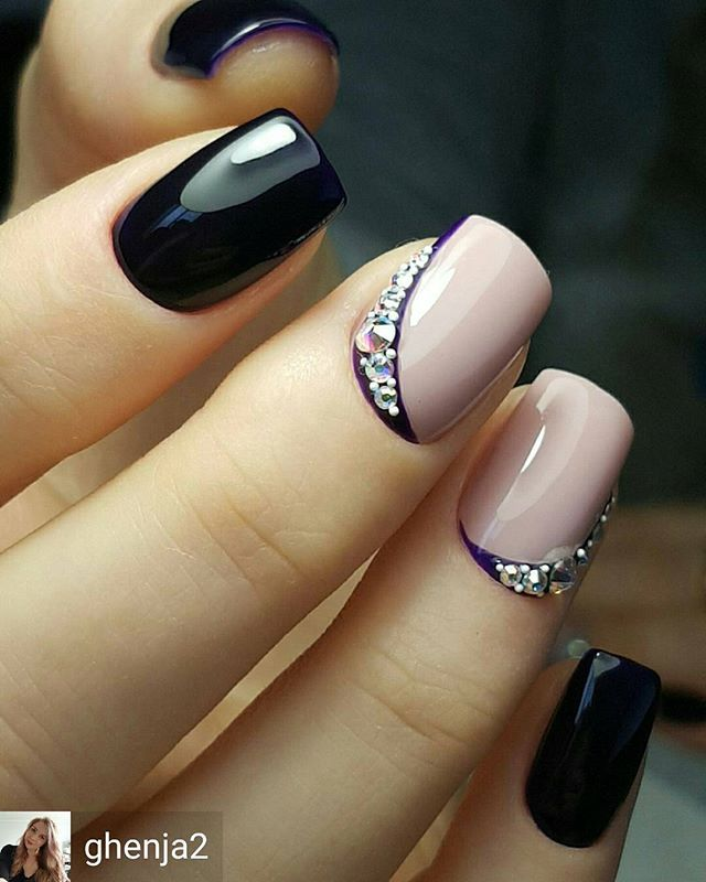 Black and Nude Nails | Nail art |Nail design | Unhas Decorada ...