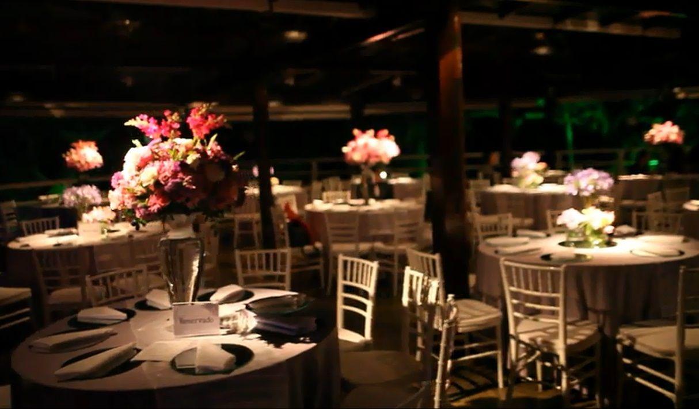 Raquel & Matthieu - Decoração de casamento em tons de lilás - arranjos florais - mesas dos convidados - Déco mariage palette violette - tables des invités - wedding decoration - guest's tables - purple & lilac colors - Rio de Janeiro