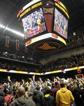 Minnesota Fans Celebrate Victory At Williams Arena Picture At Minnesota Gopher Photos Minnesota Gophers College Basketball Game Minnesota
