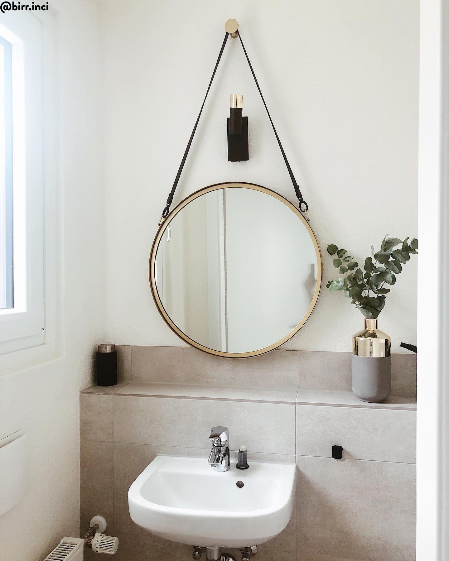 Get Ready With Style Der Wandspiegel Liz Passt Mit Seinem Runden Design Perfekt In Diese Einzigartige Schminkecke Ei Wandspiegel Wandspiegel Rund Badezimmer