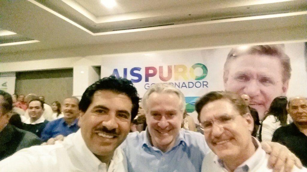 @AispuroDurango : RT @DrRamonEnriquez: Agradezco a @SantiagoCreelM venir a #Durango a mostrar su apoyo para @AispuroDurango y un servidor #DurangoTeQuiero https://t.co/ttIpkgfQpd