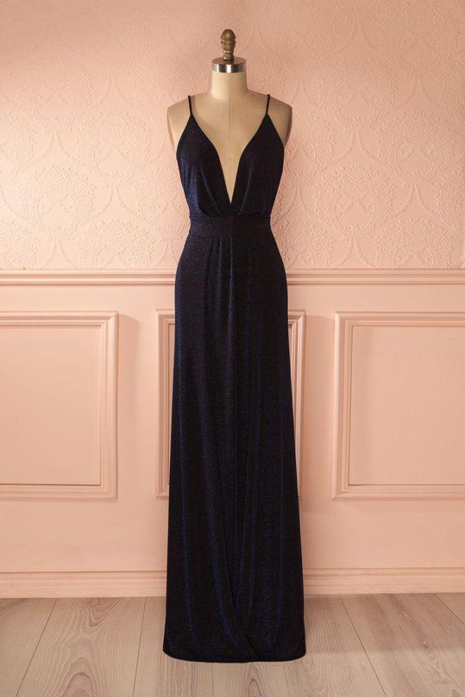 ceb7ceaa236 Tendance robes de soirée   De tous les angles elle scintillait de façon  magique. From all angles she w