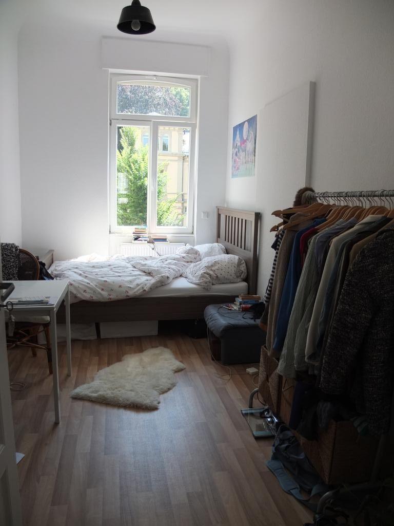 Wg Zimmer In Heidelberg Einrichtung Kleiderstange Wg Zimmer Zimmer Kleine Zimmer Einrichten