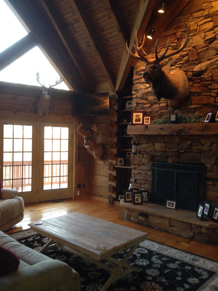Log Cabin Living Room Decorating Ideas Grey And Red Rustic Hunting Trophies Elk Mount