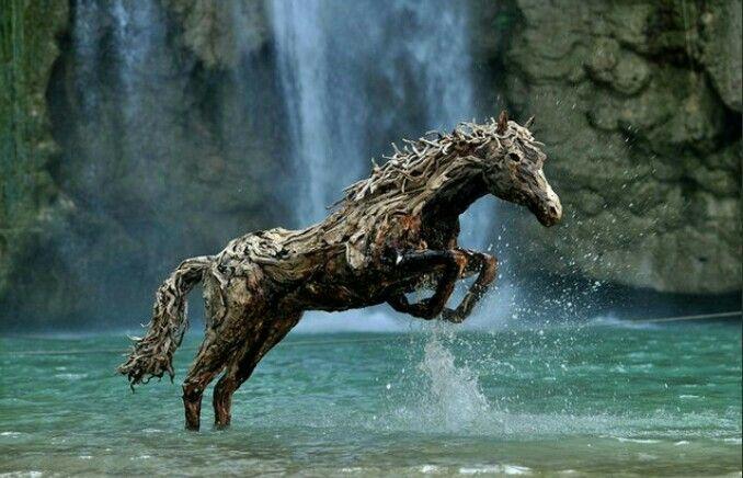 Driftwood horse - via Imugr