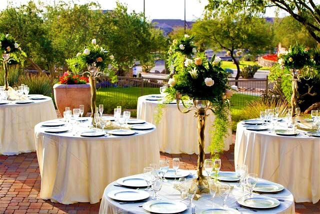 Beautiful Outdoor Wedding Reception In Mesa Arizona With Tall Centerpieces This Is At The Las