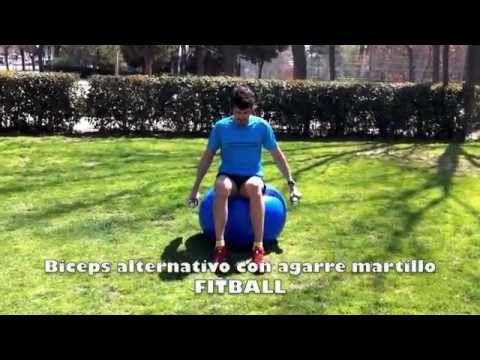 4.9.29 Personal Running   FITBALL Biceps alternativo sobre balón con mancuernas en agarre martillo