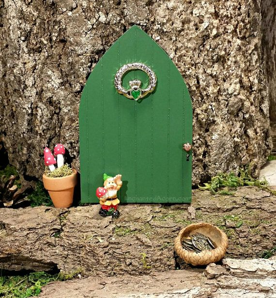 Fairy door st patrick 39 s day claddagh irish fairy garden for Irish fairy door ideas