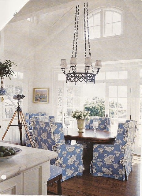 dining from Traditional Homes Mag.