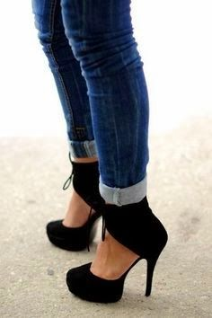 Black high heel | Fashion World