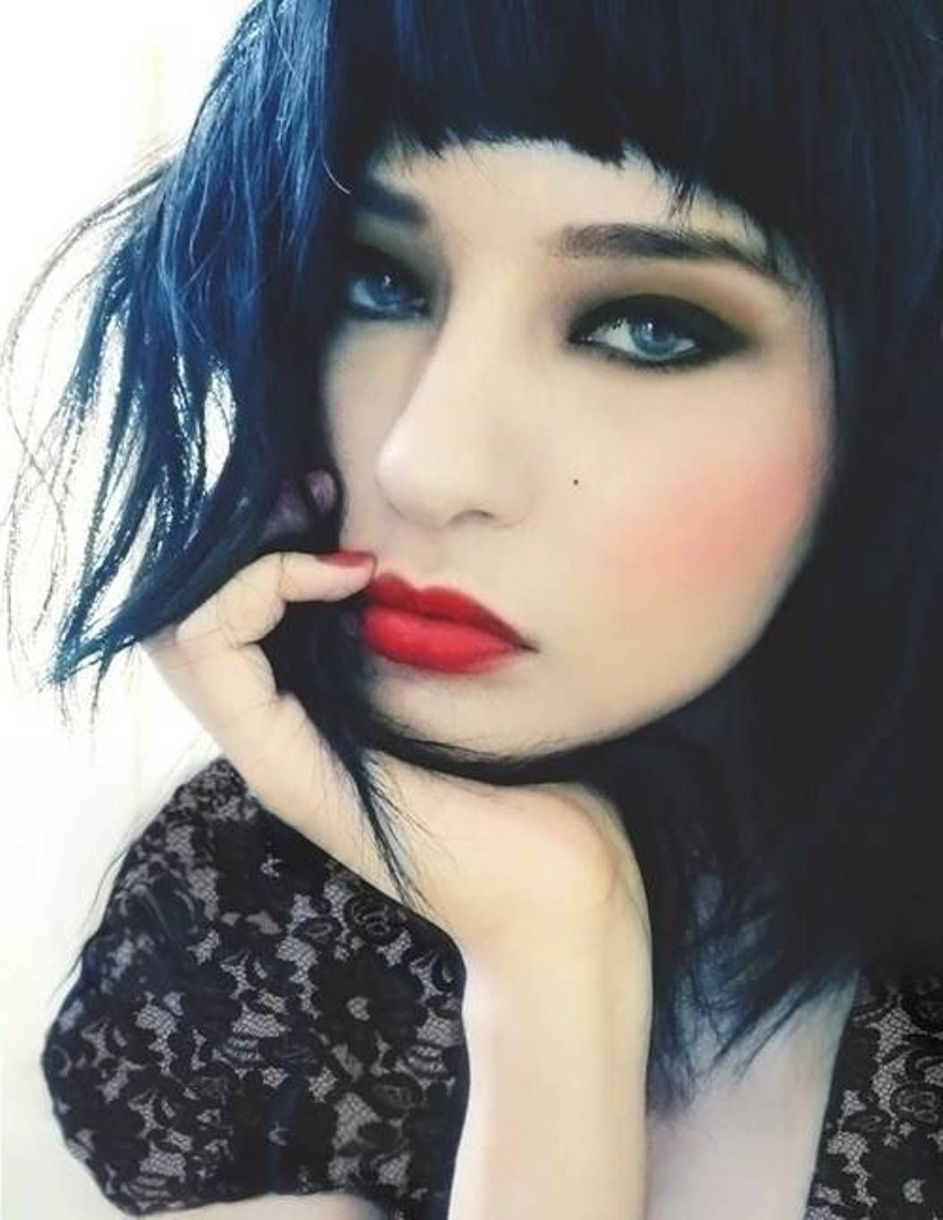 Blue black hair dye with bangs peinados fáciles pinterest blue