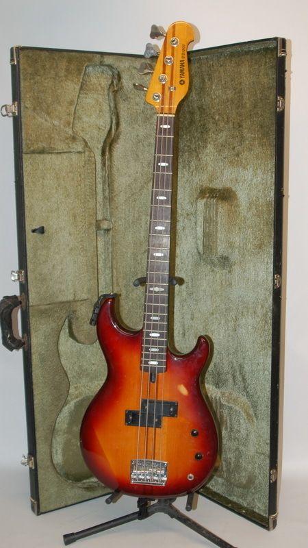 vintage yamaha bb1200 neck thru bass guitar w emg pickups bass yamaha bass guitar bass. Black Bedroom Furniture Sets. Home Design Ideas