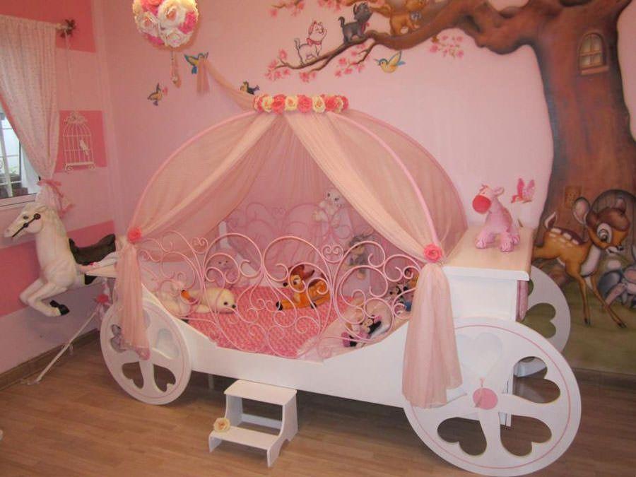 Meravigliose camerette da principessa disney per bambine letti