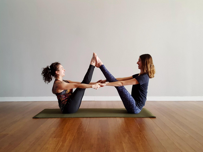 Парная Йога Для Похудения. Йога в паре: ваши тела все скажут за вас