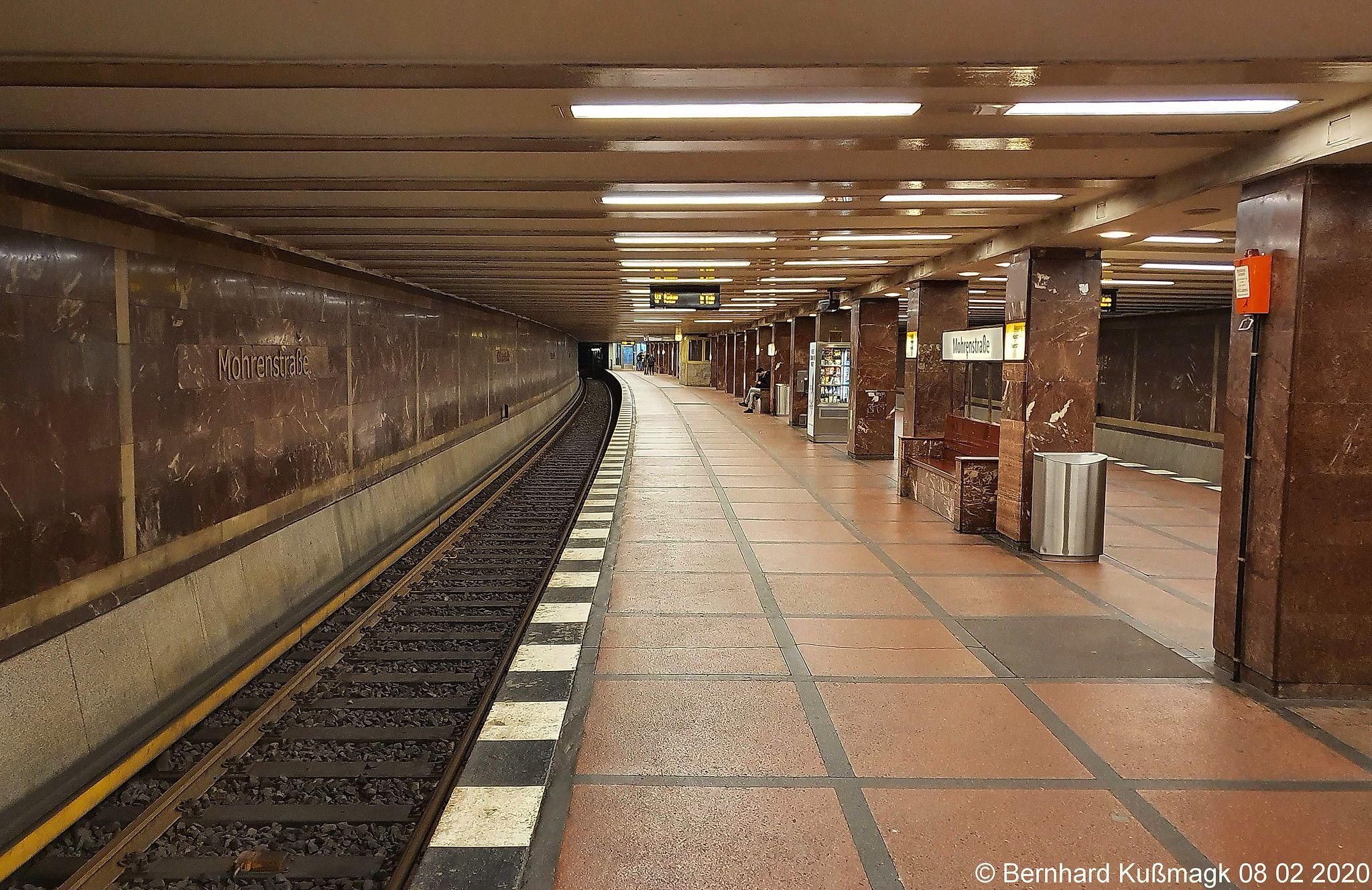 Europa Deutschland Berlin Mitte U Bahnhof Mohrenstrasse U Bahn Linie U2 In 2020 Underground Stairs Subway
