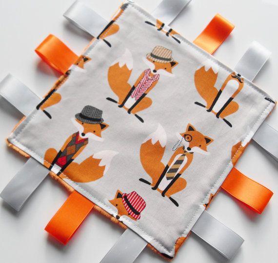 Minky Taggie Blanket Fox Fabric taggies door homemadebylittleme
