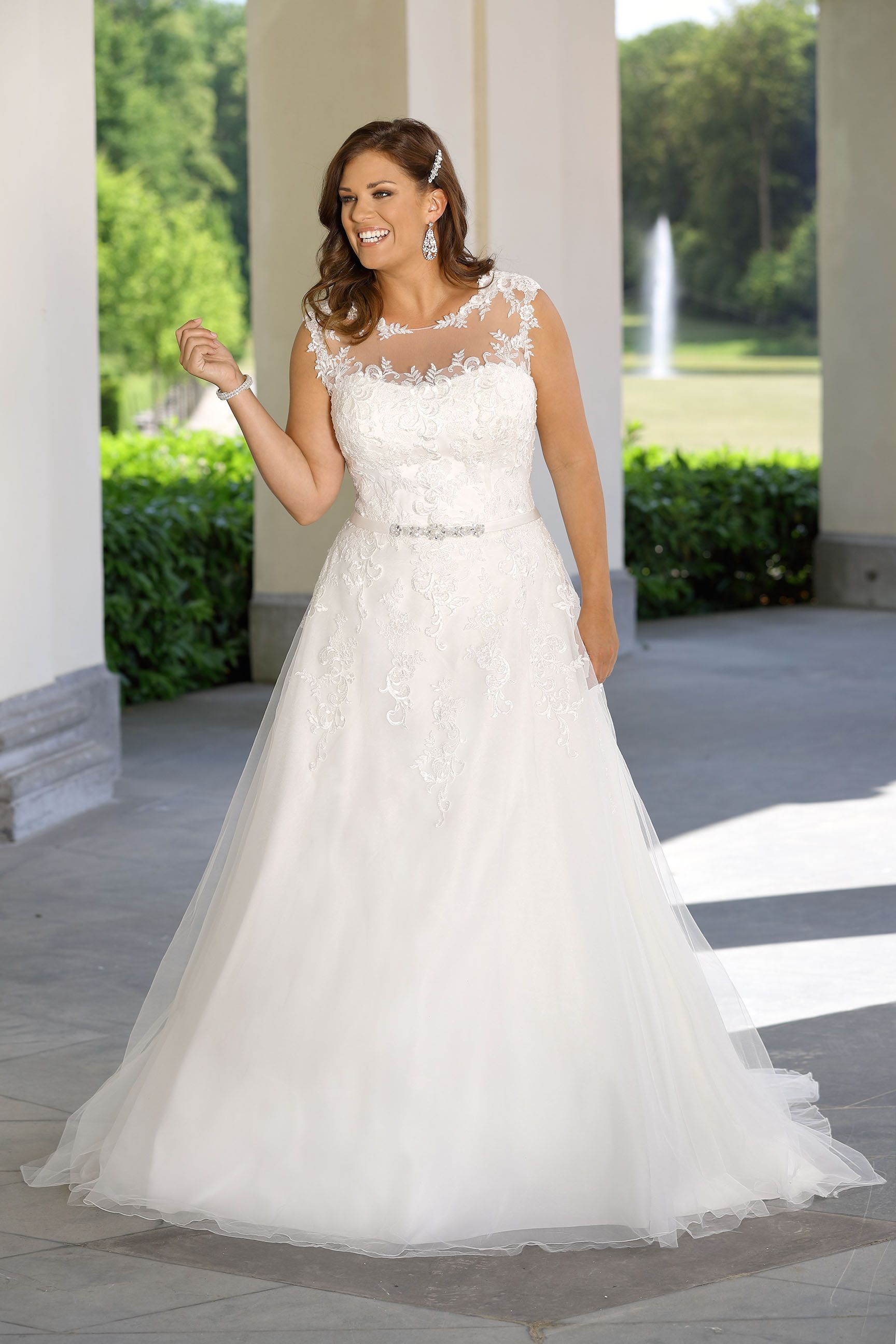 LS218014 - Ladybird Bruidsmode PlusSize | Hochzeitskleid | Pinterest