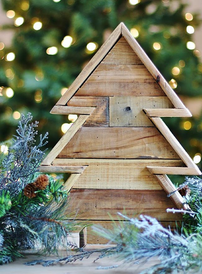 DIY Wooden Christmas Tree From Recycled Pallets | Pallet ...