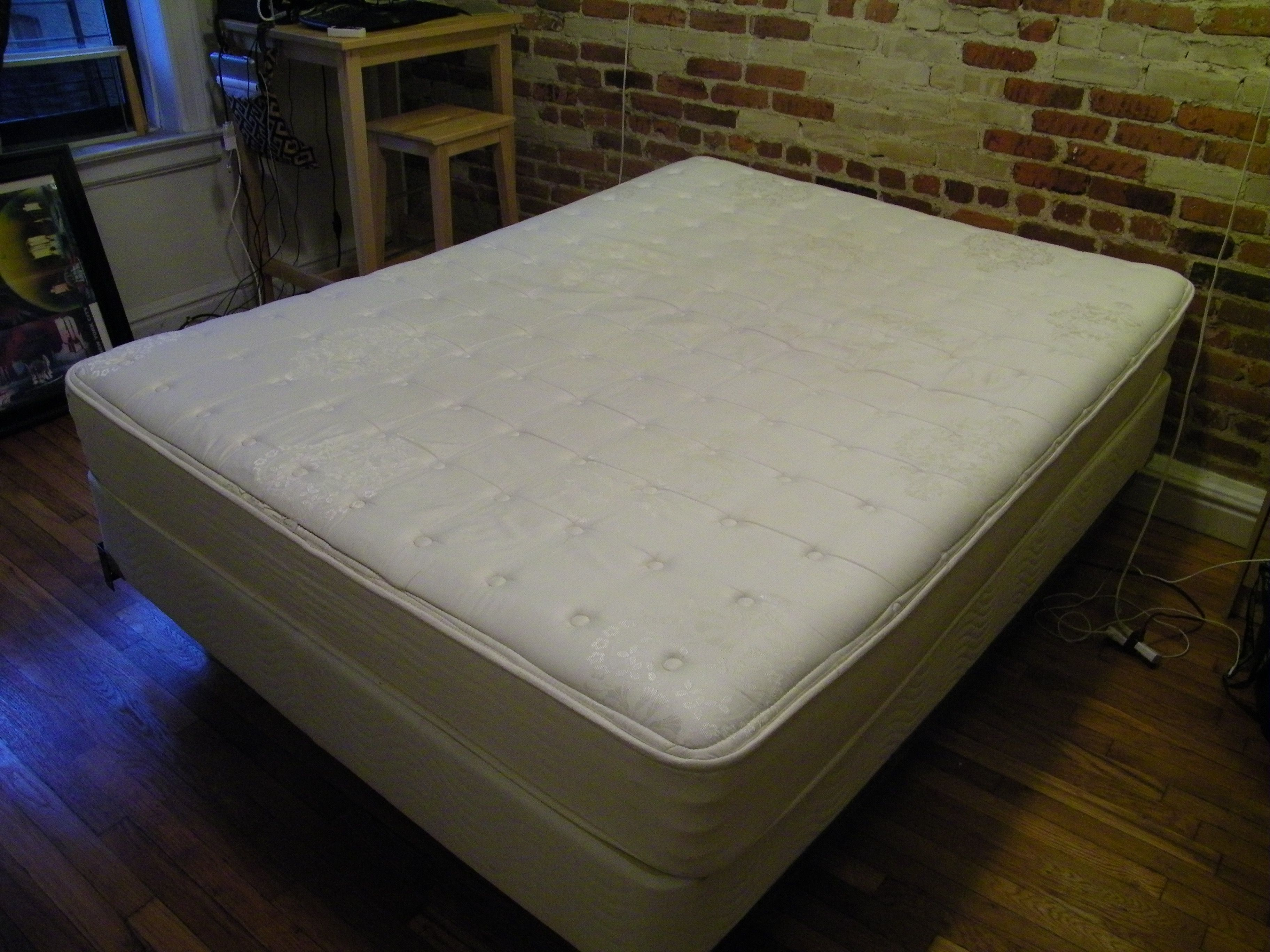 [125] Beautyrest Firm queensized mattress, box spring