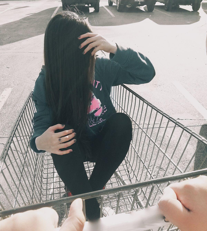 Garota tumblr no carrinho de mercado garotatumblr for Tumblr girl pictures ideas