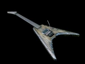 https://kitarablogi.com/2017/03/31/review-kiiras-instruments-ahti-ukonkirves/