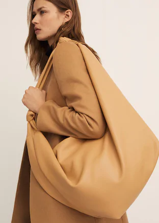 Oversized volume purse bag -  Woman | Mango Cyprus