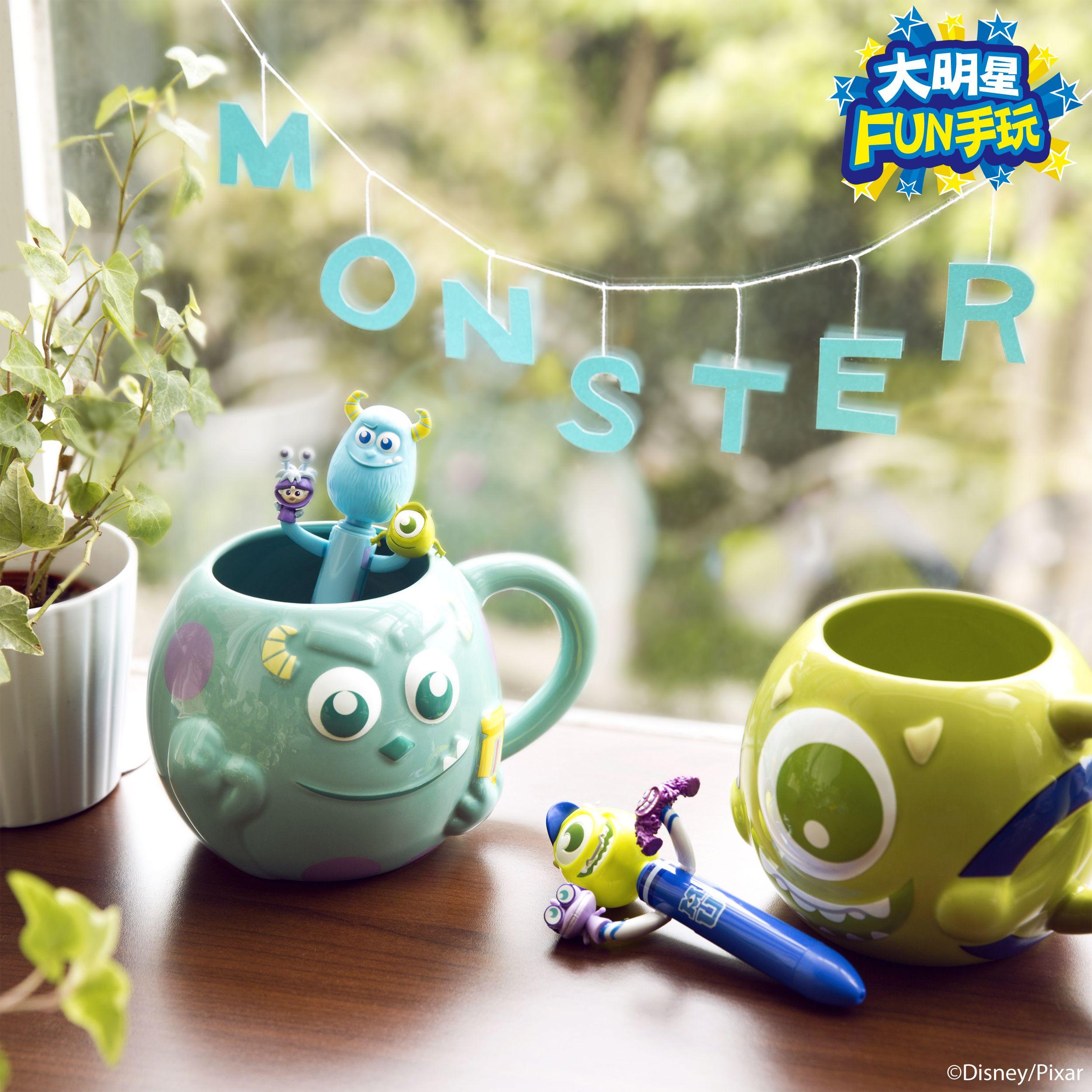 有皮克斯陪伴的日子不寂寞:)毛怪&大眼仔組一對恰恰好! #sulley #MonstersUniversity #Pixar @familymart