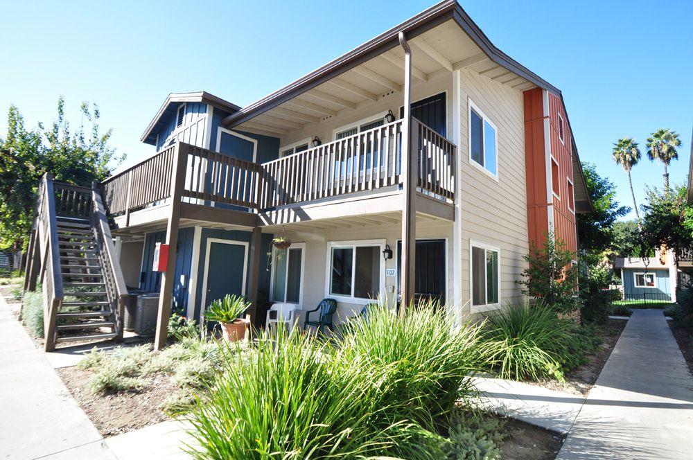 Come Check Out Village Grove Apartments In Escondido Ca