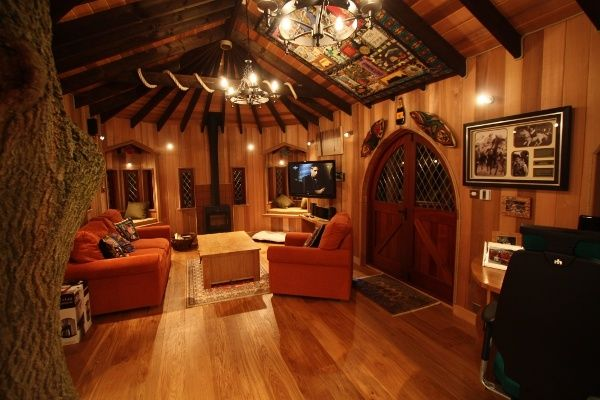 blue forests treehouse office is a high flying wooden workplace house interiorsoffice interiorsluxury tree - Treehouse Masters Tree Houses Inside
