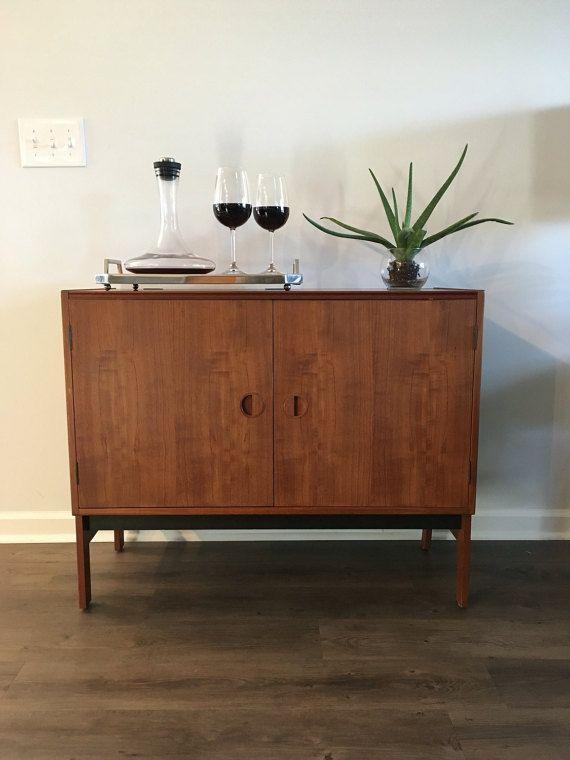 High Quality Mid Century Modern,Danish Modern Teak Media Cabinet, Dry Bar, Vintage,  Turntable