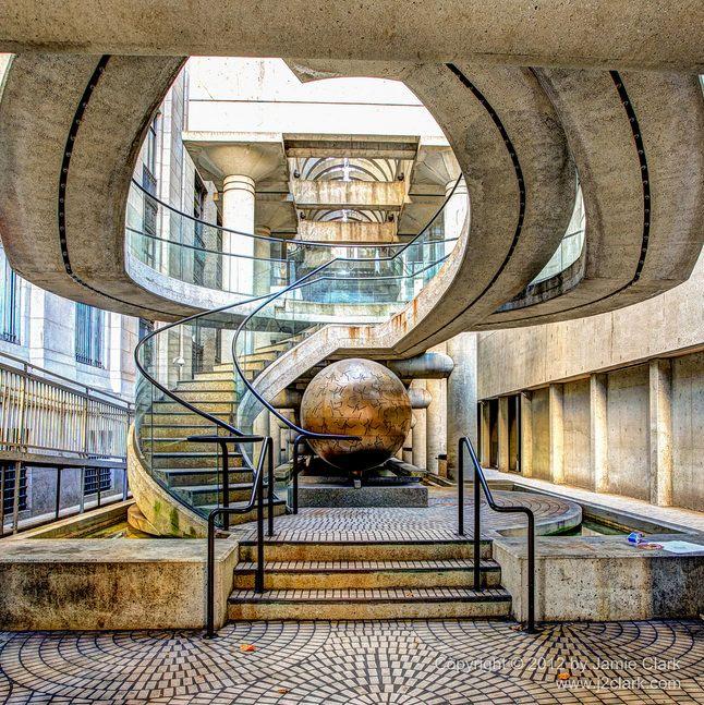 The Surreal Design Inside Of Embarcadero Center In San Francisco Usa