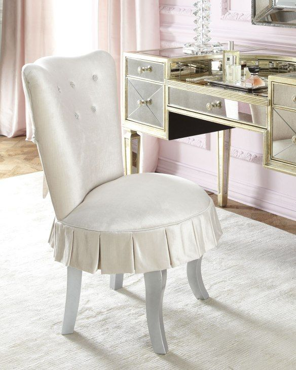Vanity by Neiman Marcus ! A Connecticut Yankee At Home in 2018