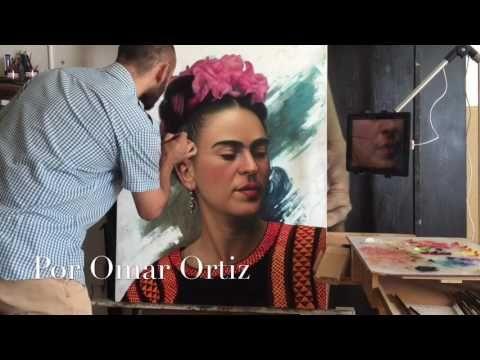 Omar ortiz pintando a Frida Kahlo