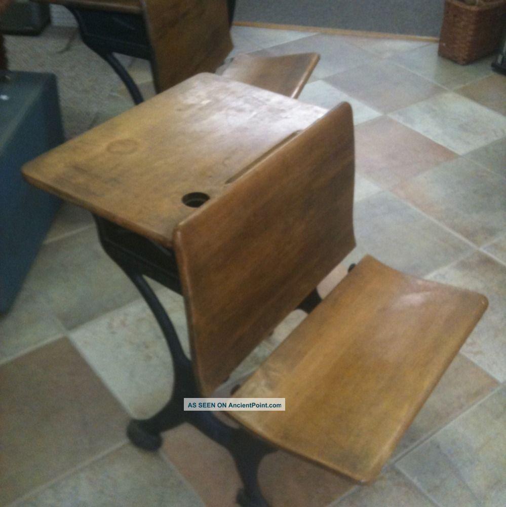 Silent Giant Antique Oak Student School Desk With Cast Iron Base 1900-1950  photo - Silent Giant Antique Oak Student School Desk With Cast Iron Base