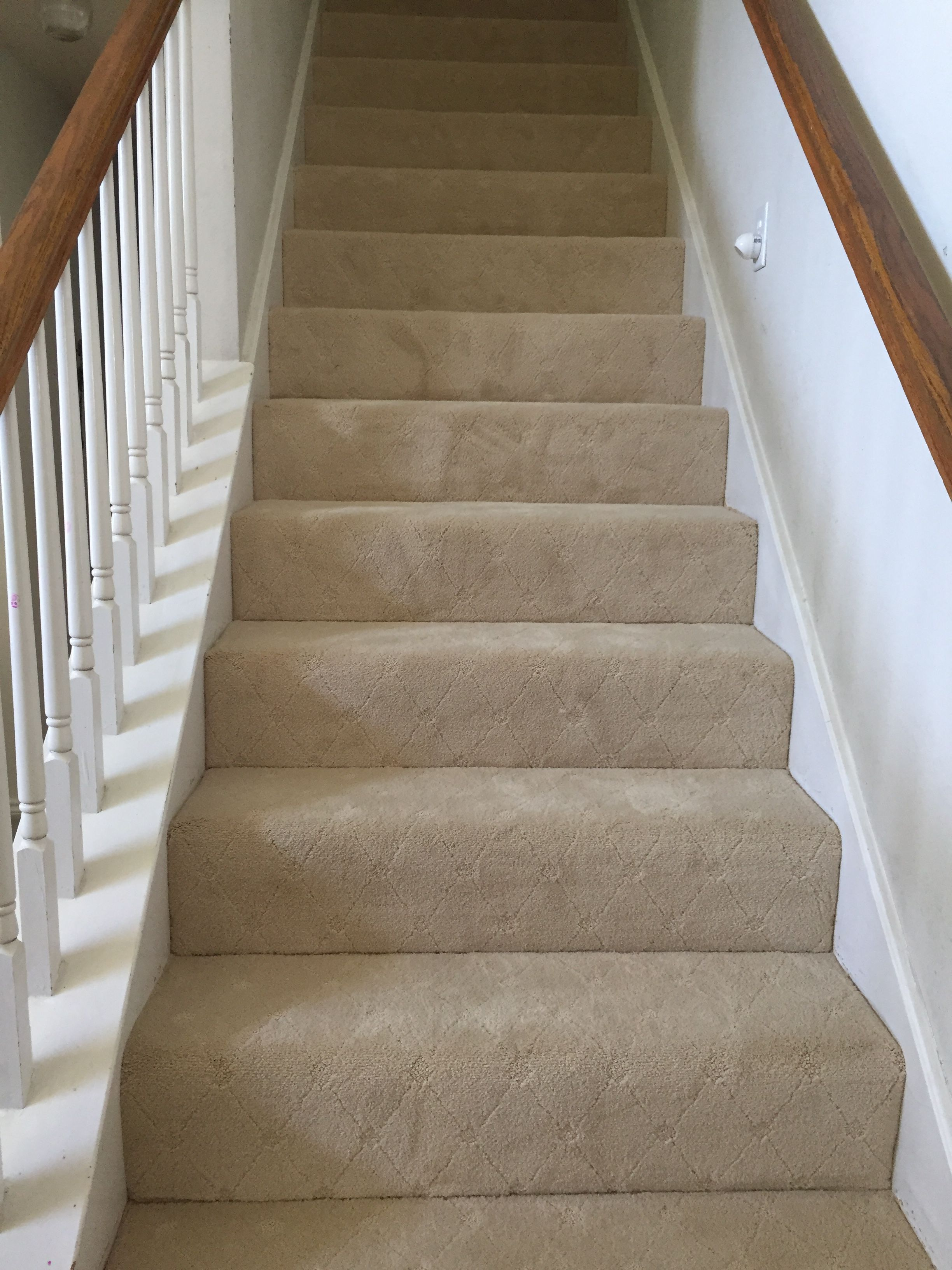 Best Diamond Pattern Carpet On Stair Case Patterned Carpet 400 x 300