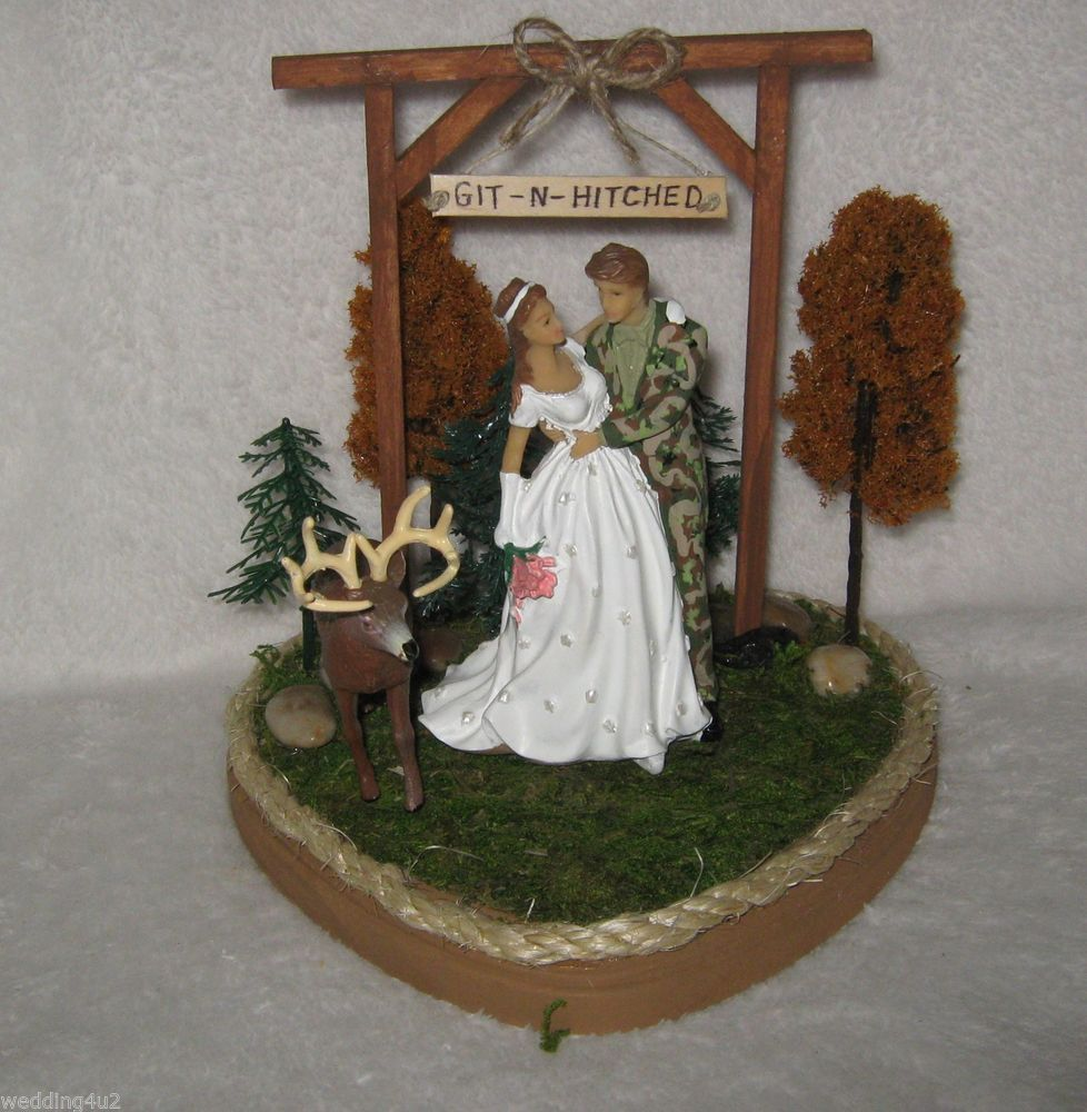 Wedding Party Reception Git N Hitched Camo Deer Hunter Ball Chain Cake Topper