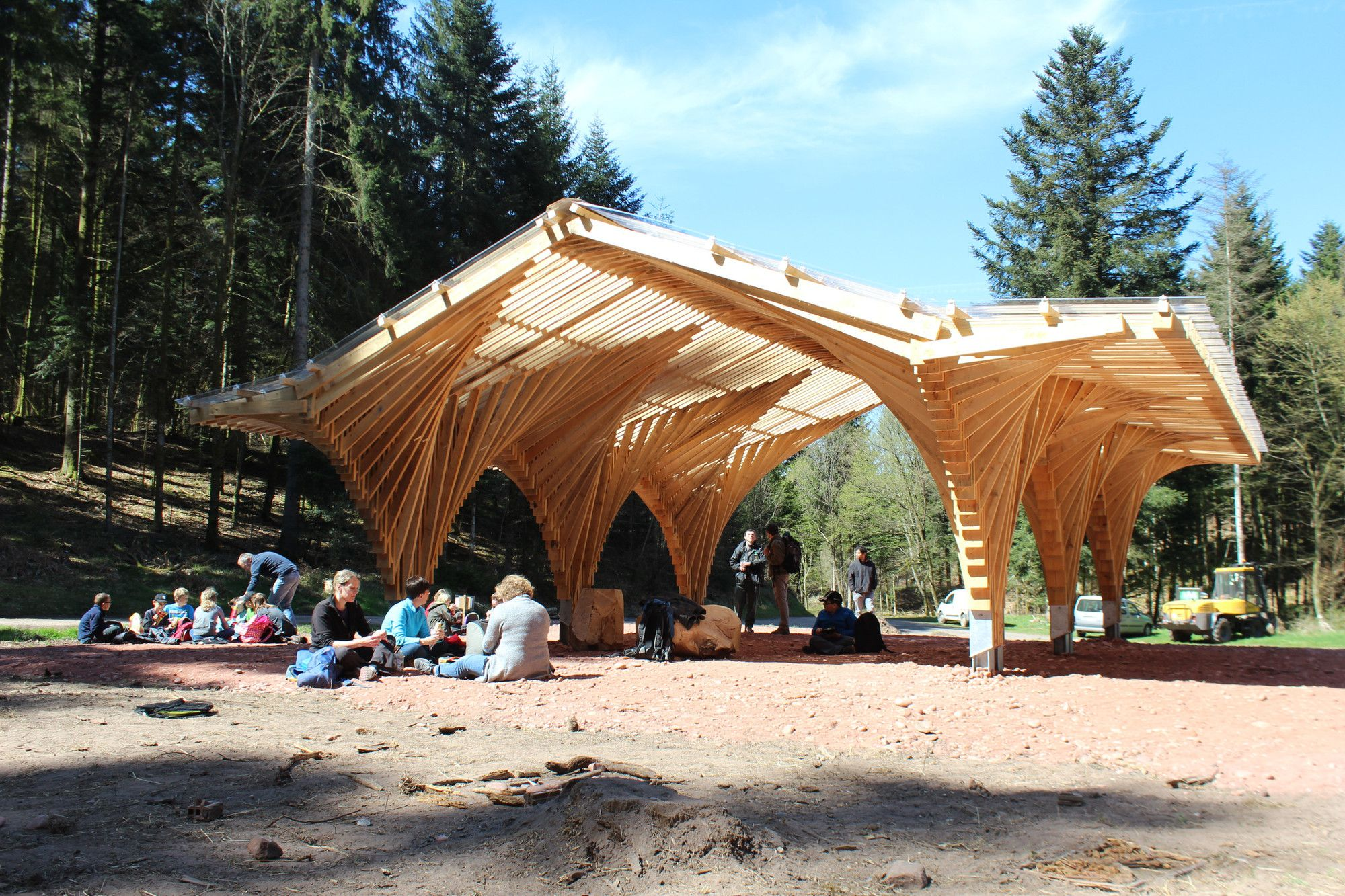 la creacin de un refugio forestal en bertrichamp studiolada architectes yoann saehr architect