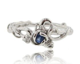 ROSE GARDEN RING WITH SAPPHIRE