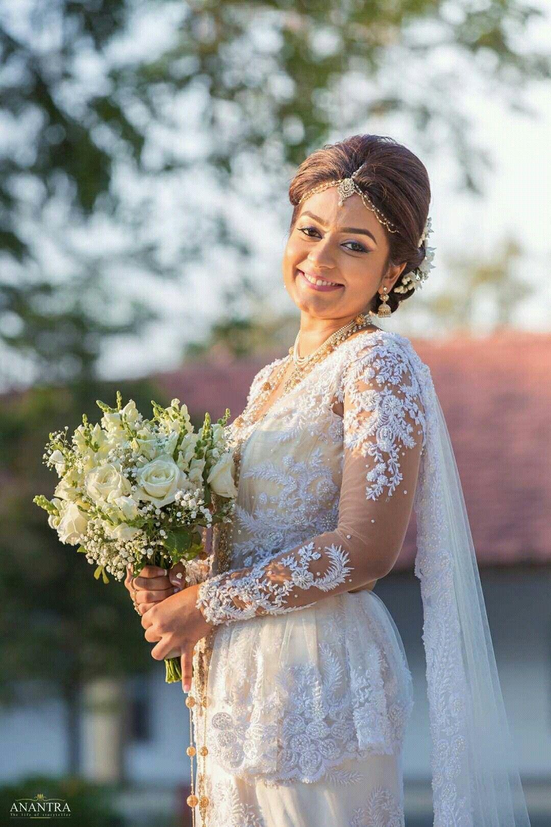 pin by yashodara rathnathilaka on kandian brides | pinterest