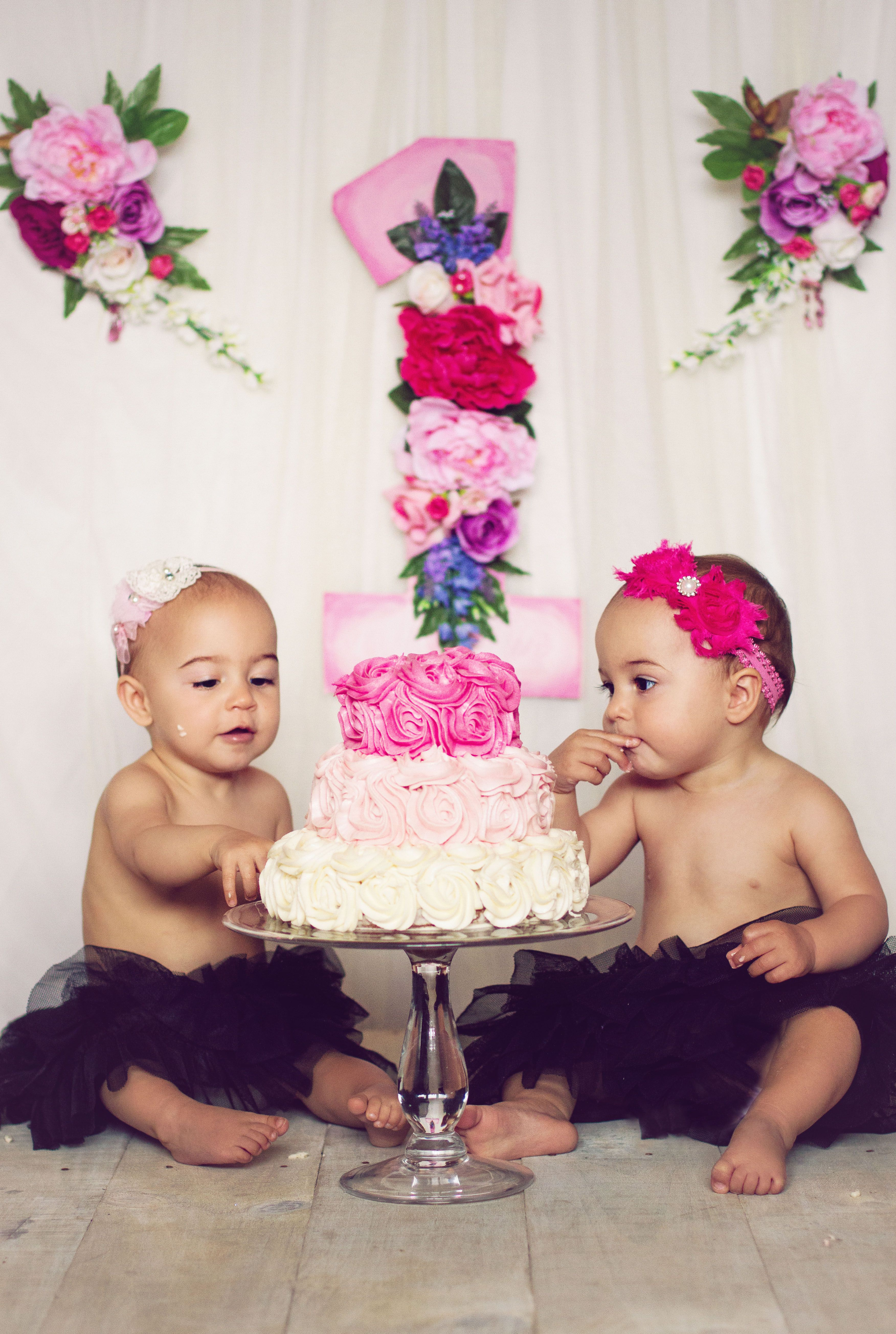 My Twin Girls First Birthday Cake Smash With Images Twin