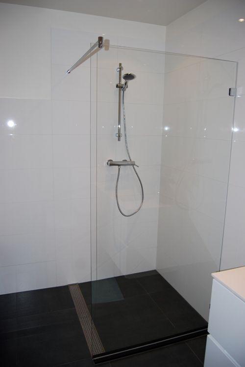 DIY: als je weinig ruimte hebt in de badkamer is less more! Een ...
