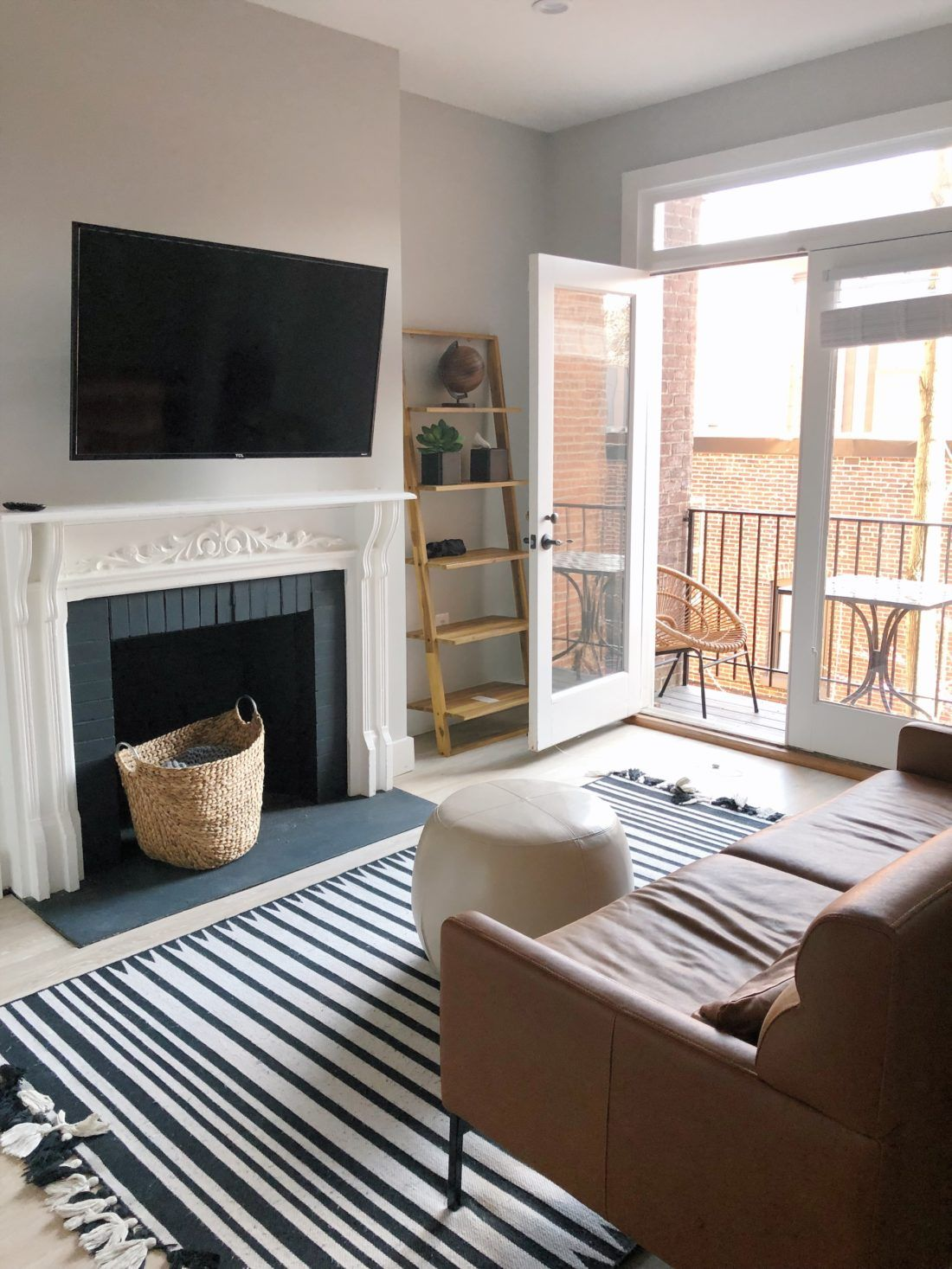 Washington Dc Outfits And Travel Guide With A Baby Dc Apartments Washington Dc Apartment Apartment