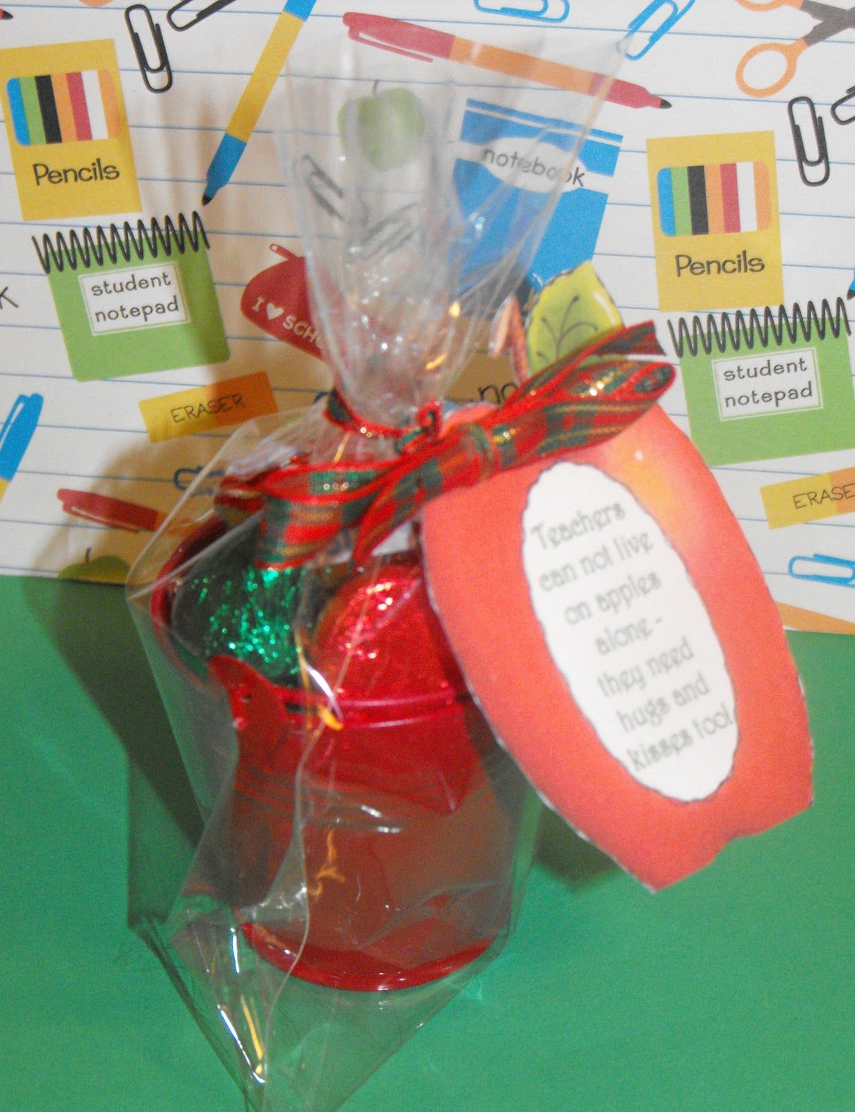 Coley\'s Corner: Easy but Cute Teacher Gift Idea | DIY gifts for ...