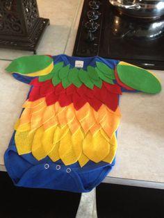 Baby parrot costume #diypiratecostumeforkids