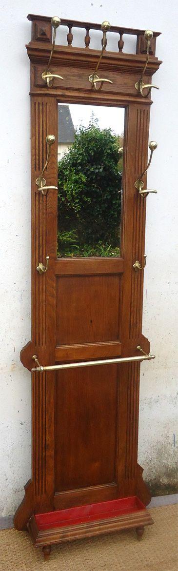 génial ancien porte manteau et porte parapluie mural en bois pour entrée avec un  miroir et quatre