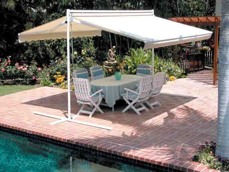 A Double Side Retractable Awning In Your Garden Can Create A Nice Seating Area Awning Retractableawning Exteriordecor Hage