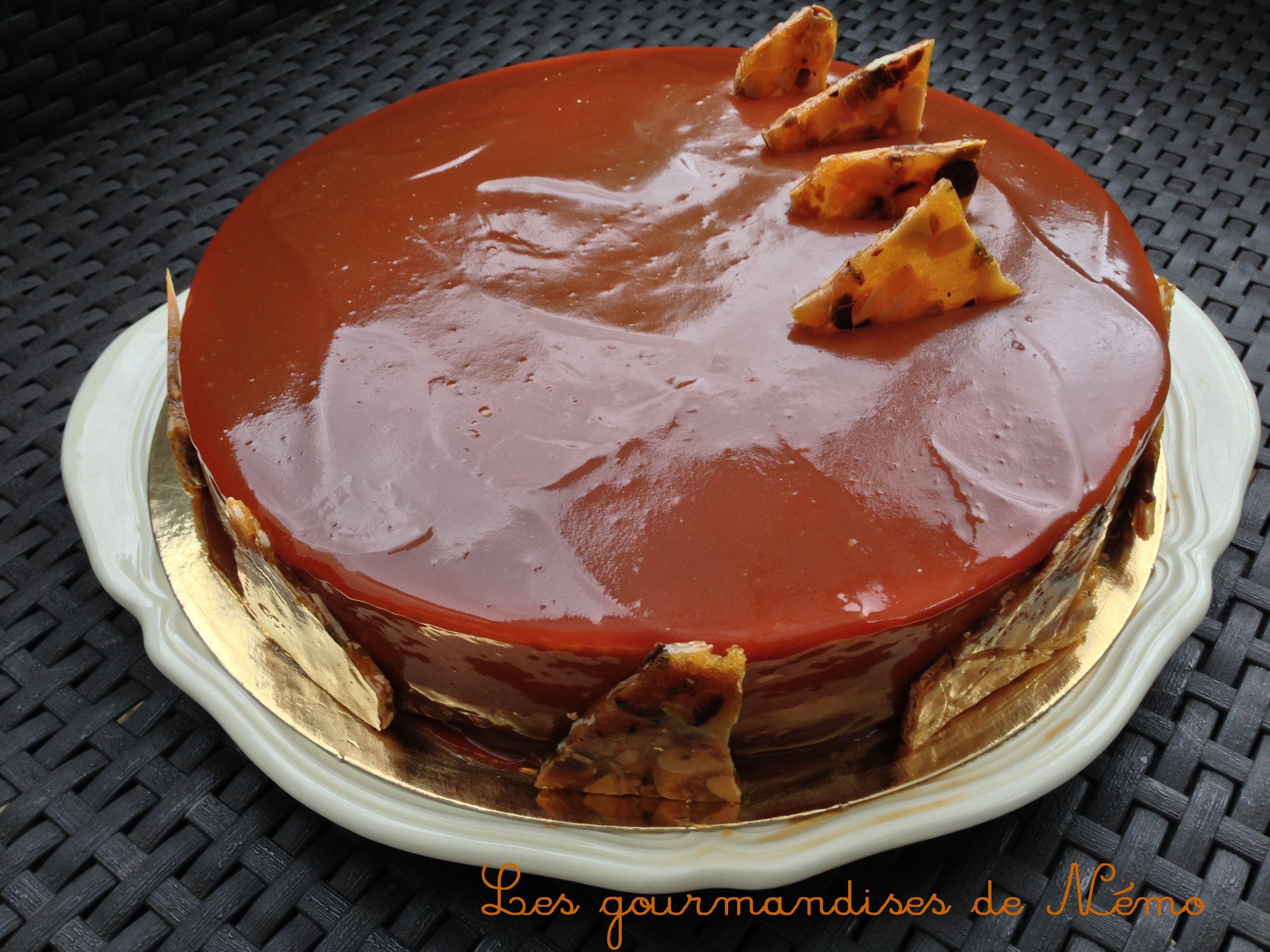 entremet caramel, insert moelleux caramel, nougatine et glaçage miroir caramel, glaçage brillant caramel